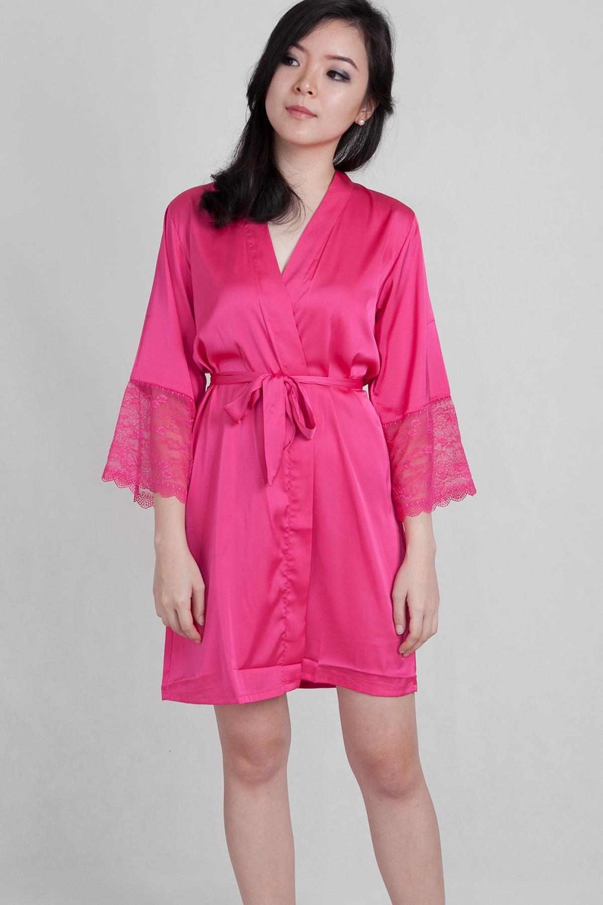 Women Silk Robe – Benefits Of Sleeping In Silk Nightwear